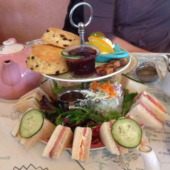love-joy-tea-room-more-food